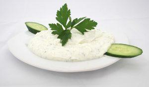 トルコ風ヨーグルトサラダ