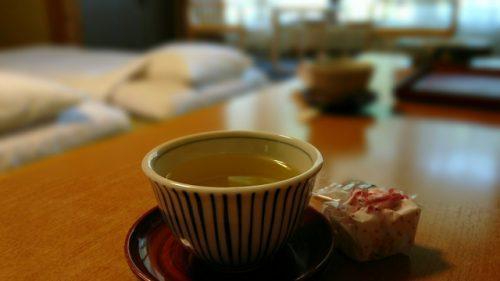 玄米茶を飲むタイミングが大事
